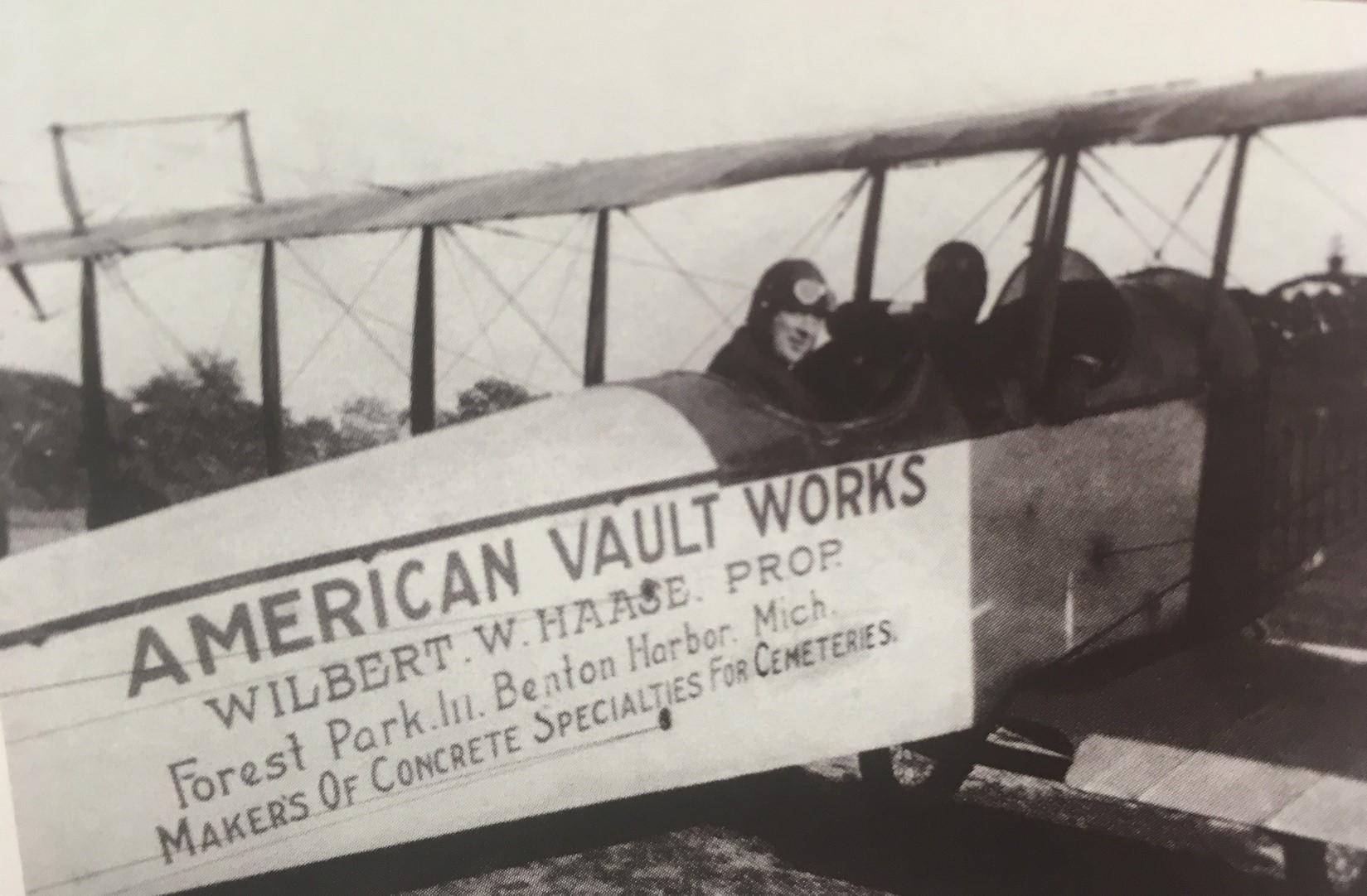 american-wilbert-BW-ad-plane